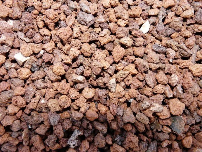 Grava volc nica materiales de jardiner a for Piedra volcanica para jardin
