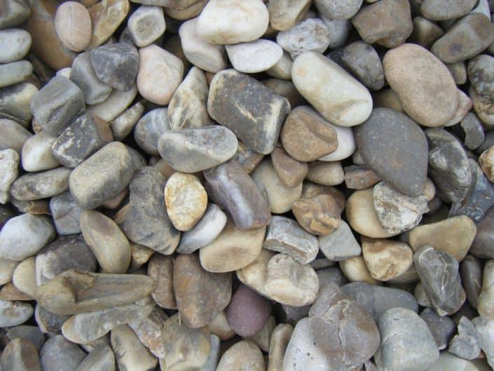 Grava de r o materiales de jardiner a - Comprar piedras jardin ...