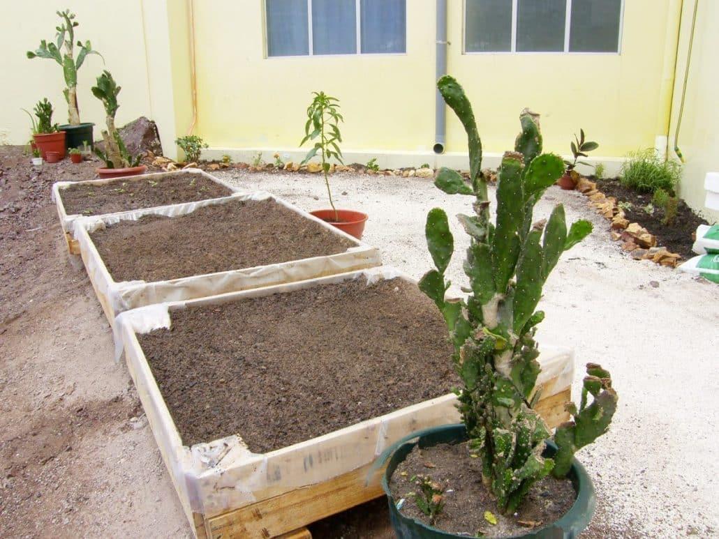 Tierra vegetal para jard n materiales de jardiner a for Tierra para jardin